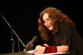 Mechthild Großmann bei ihrer Lesung im Theater Wedel