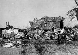 Bombeneinschlag ins Gebäude der Stadtwerke Wedel, heute Theater Wedel