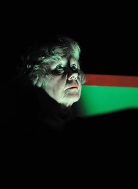 """Das Plakat zu """"Codewort: Doppelkopf"""" von Ise Papendorf im Theater Wedel - Uraufführung 2018 - Fünf Rentner im Auto statt im Altersheim"""